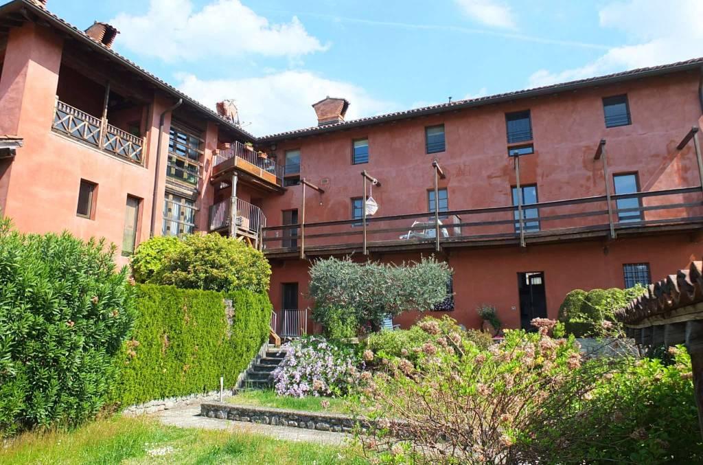 Appartamento in vendita a Brezzo di Bedero, 2 locali, prezzo € 150.000 | CambioCasa.it