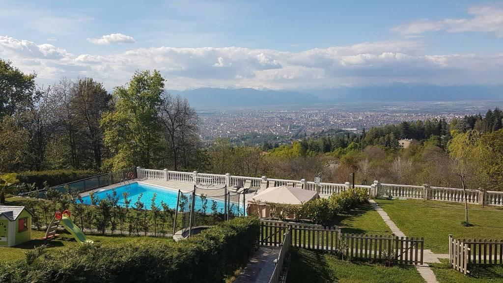 Appartamento in affitto a Pecetto Torinese, 6 locali, prezzo € 1.400 | CambioCasa.it