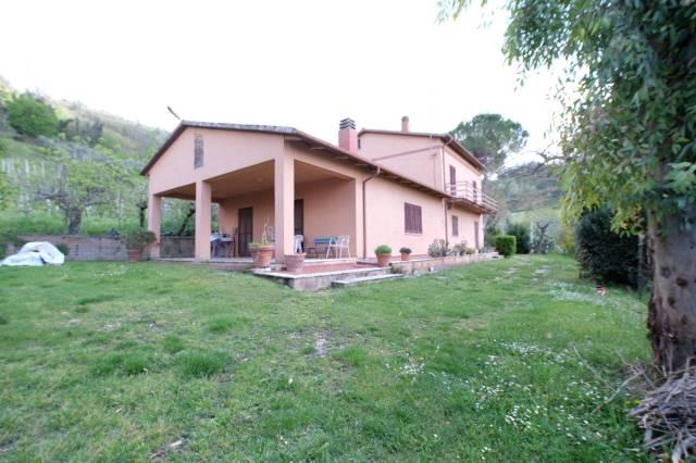 Villa 5 locali in vendita a Magliano Sabina (RI)