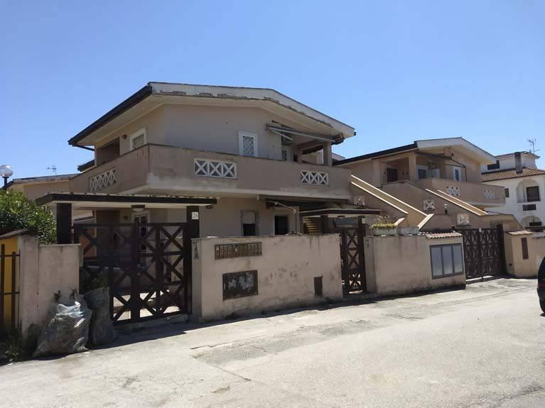 Appartamento in ottime condizioni in vendita Rif. 9025309