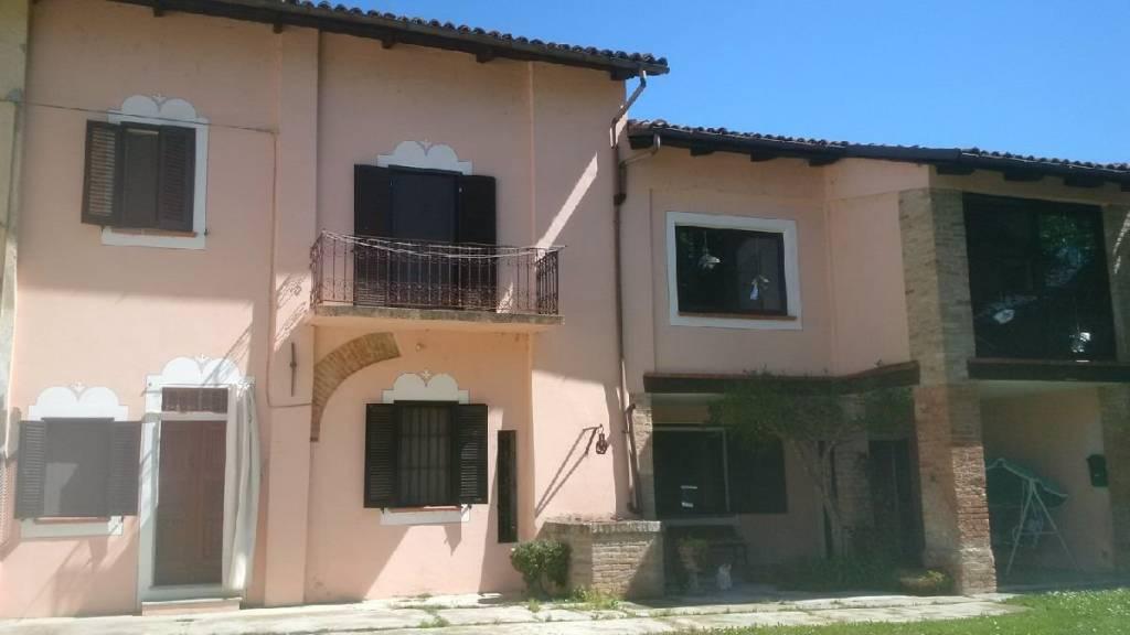 Rustico / Casale in vendita a Castelnuovo Calcea, 8 locali, prezzo € 170.000   PortaleAgenzieImmobiliari.it