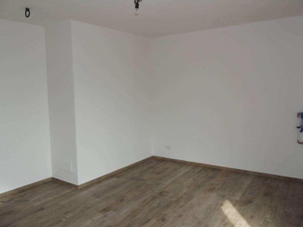 Appartamento in Affitto a Santa Maria A Monte Periferia: 4 locali, 88 mq