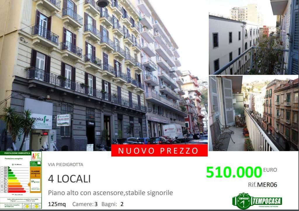 Appartamento in vendita 4 vani 110 mq.  via Piedigrotta Napoli
