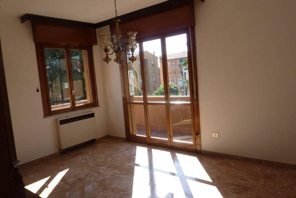 Foto 1 di Quadrilocale via Massimo d'Azeglio, Imola