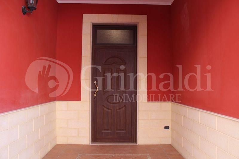 Appartamento in Vendita a Sannicola Centro: 5 locali, 129 mq