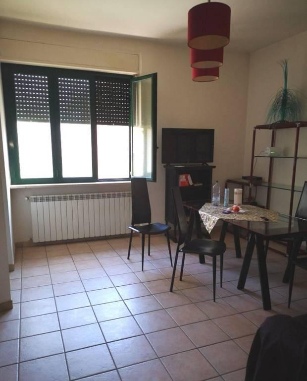 Appartamento in vendita a Foligno, 4 locali, prezzo € 115.000   PortaleAgenzieImmobiliari.it