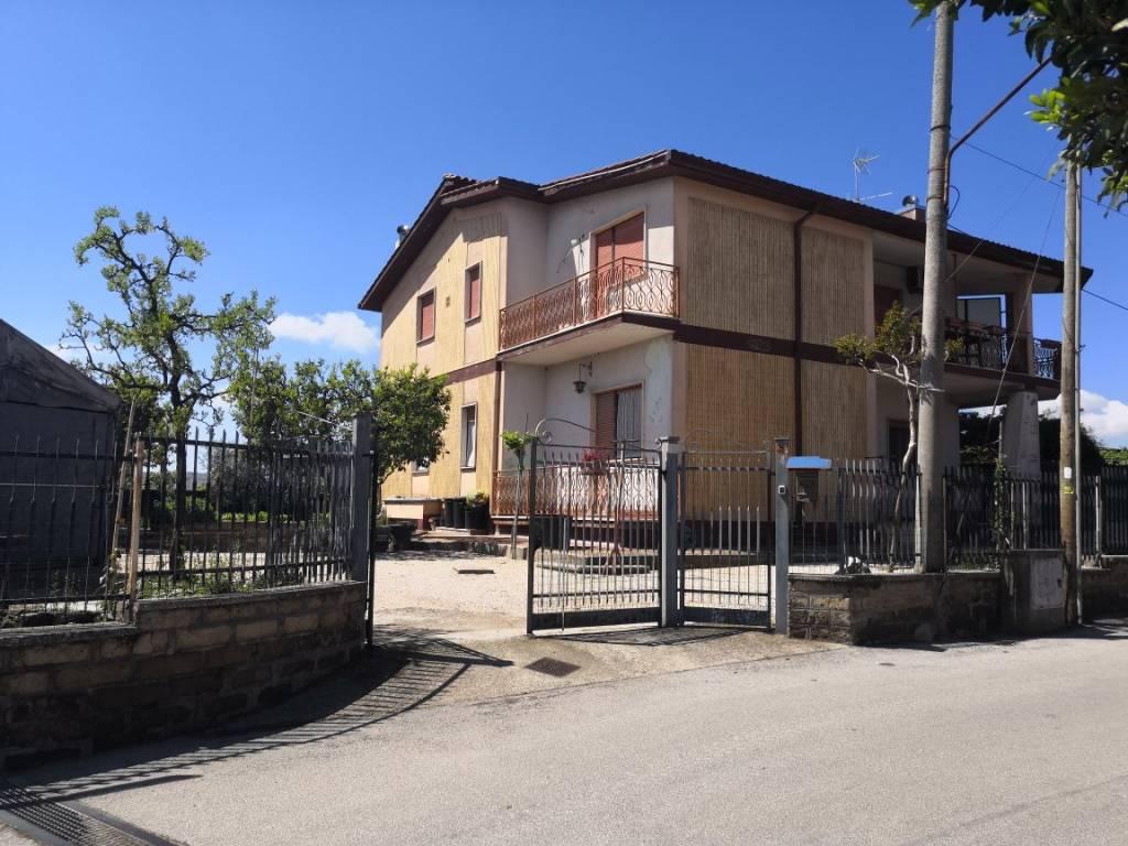 Appartamento in vendita a Ariccia, 4 locali, prezzo € 138.000 | PortaleAgenzieImmobiliari.it