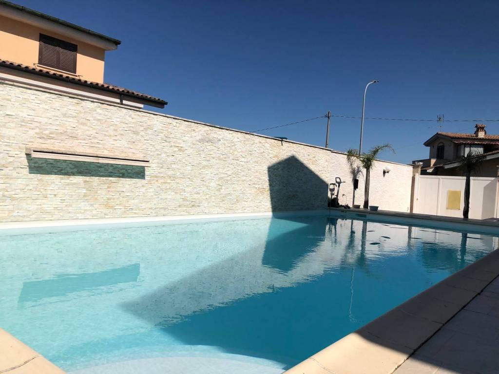 Villa in vendita a Guidonia Montecelio, 5 locali, prezzo € 490.000 | CambioCasa.it