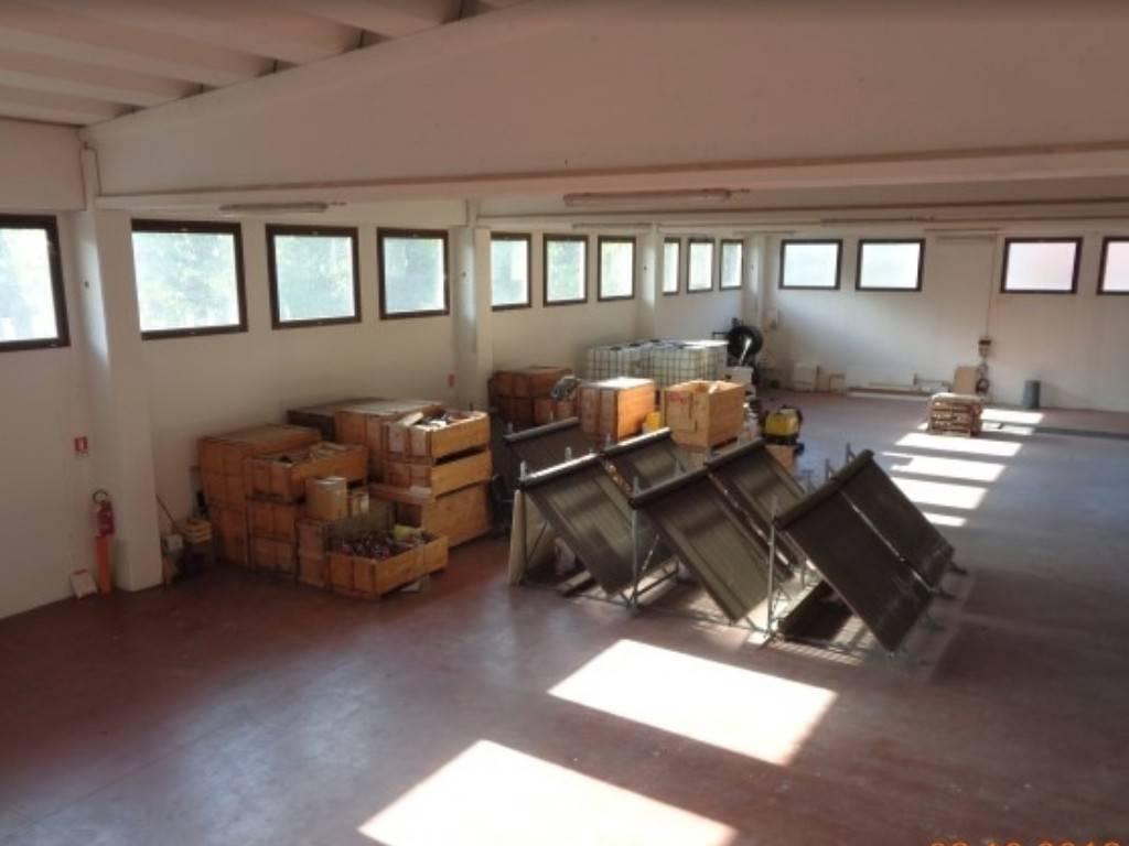 Capannone in vendita a Baldissero Torinese, 6 locali, prezzo € 380.000 | PortaleAgenzieImmobiliari.it