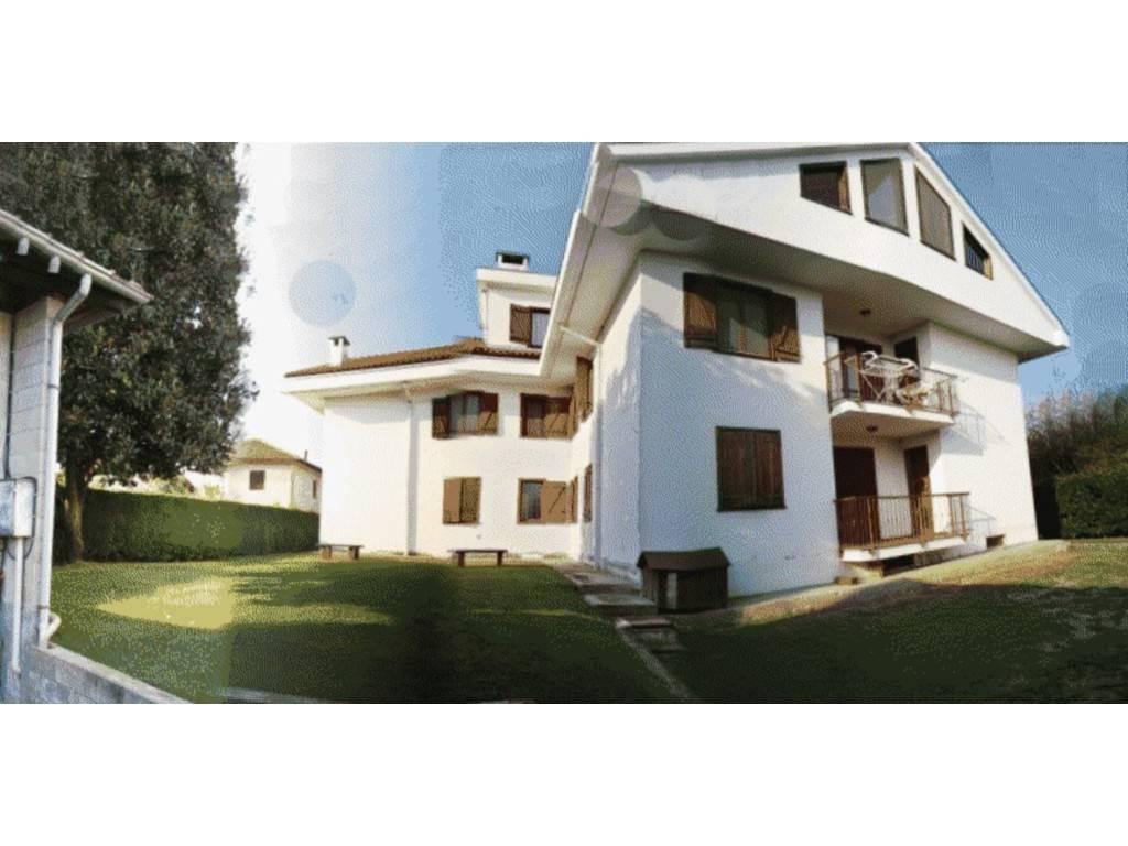 Villa in vendita a Mazzè, 9999 locali, prezzo € 130.000 | PortaleAgenzieImmobiliari.it