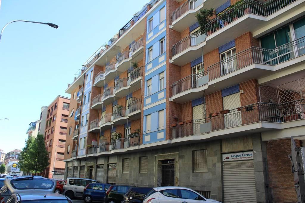 Foto 1 di Bilocale via Aosta 16, Torino (zona Valdocco, Aurora)