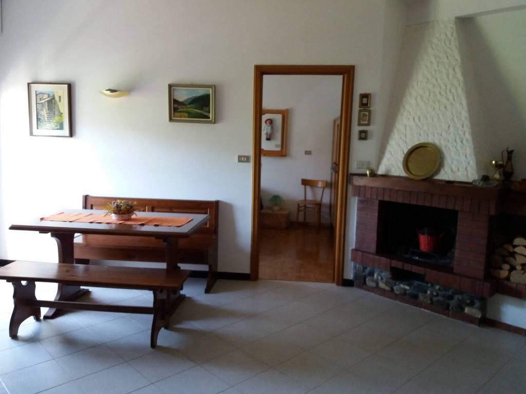 Foto 1 di Bilocale frazione Casanova, Rovegno
