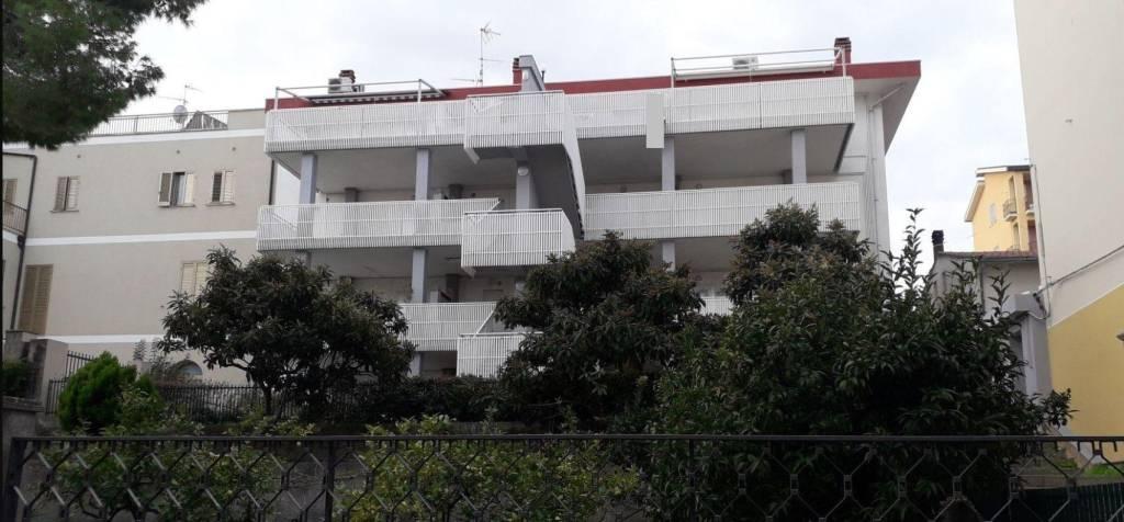 Appartamento in ottime condizioni in vendita Rif. 9269793