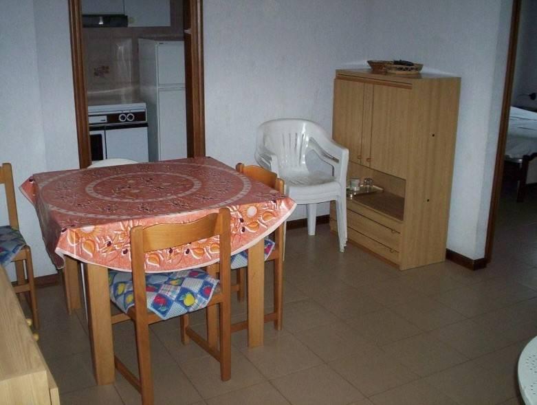 Appartamento in ottime condizioni arredato in vendita Rif. 9269794