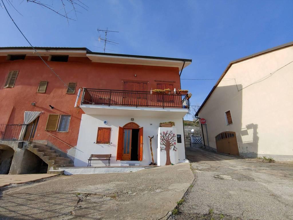 Foto 1 di Casa indipendente via Seminenga 33, frazione Seminenga, Moncestino