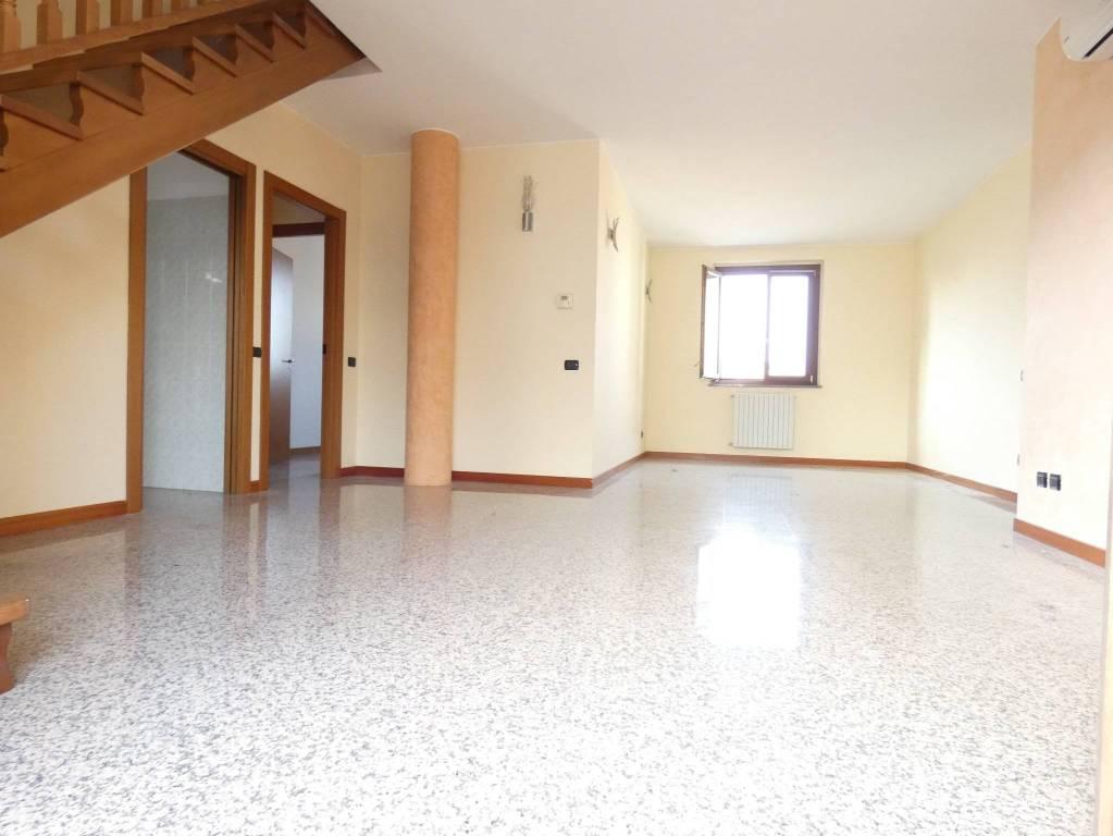 Attico / Mansarda in vendita a Lissone, 4 locali, prezzo € 280.000 | PortaleAgenzieImmobiliari.it