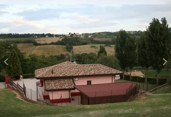 Foto 1 di Villa via Vecciano, Coriano