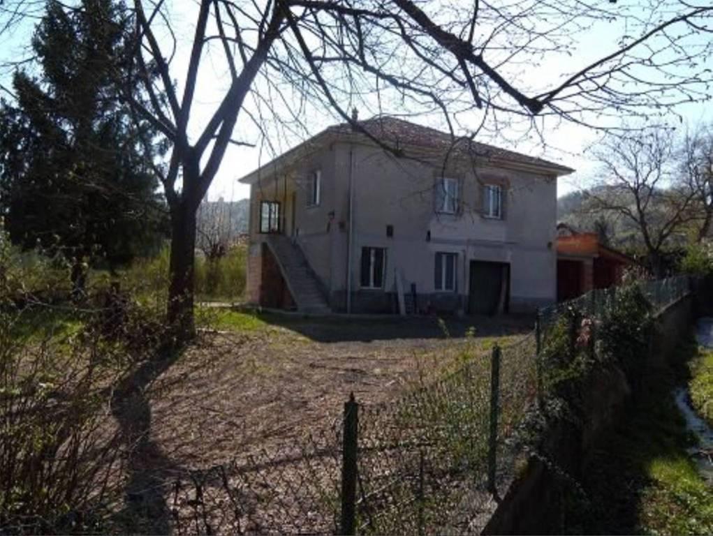 Foto 1 di Villa frazione San Carlo, Rocca Grimalda