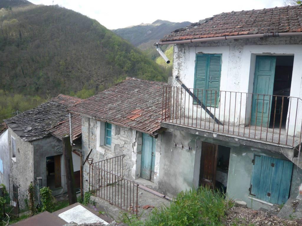 Rustico / Casale in vendita a Pontremoli, 6 locali, prezzo € 48.000 | PortaleAgenzieImmobiliari.it