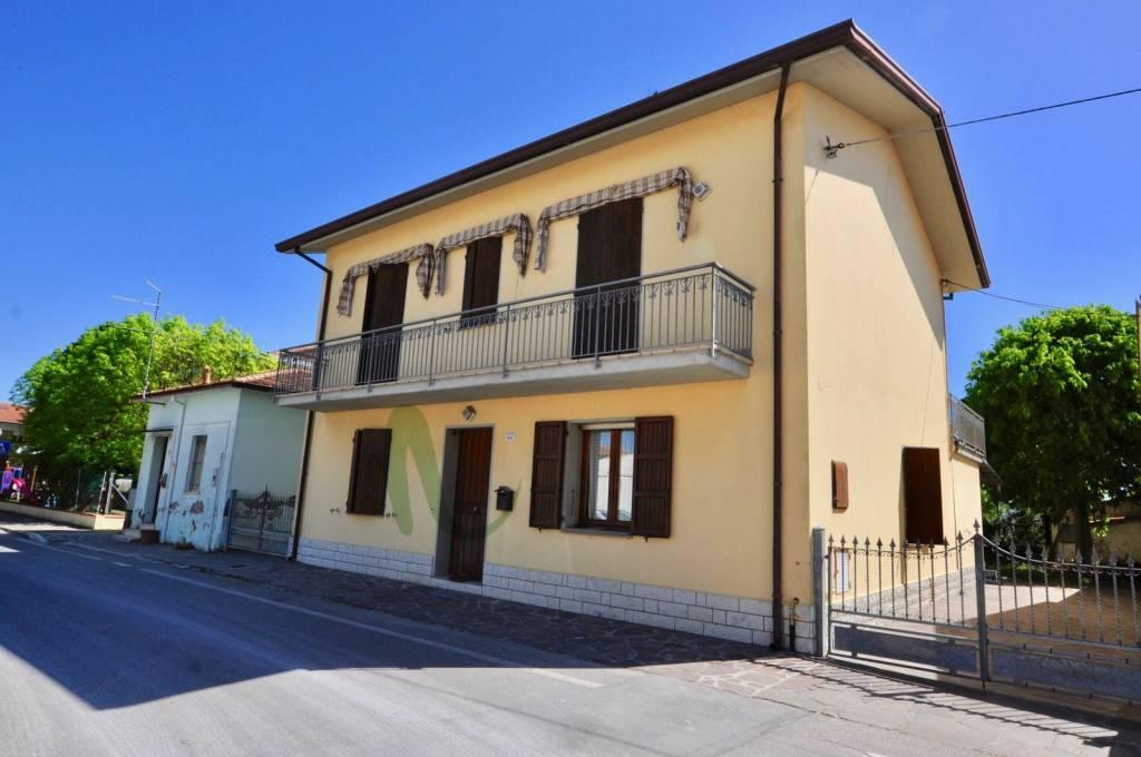 Villa in Vendita a Cesenatico Periferia: 5 locali, 350 mq