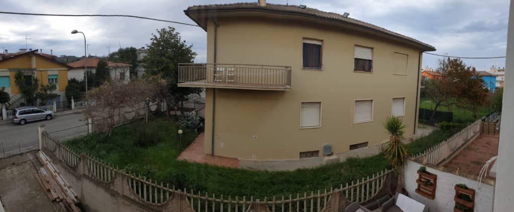 Appartamento in vendita a Civitanova Marche, 5 locali, prezzo € 160.000 | CambioCasa.it