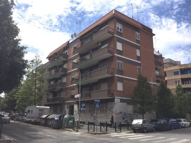 Appartamento in vendita a Roma, 6 locali, zona Zona: 20 . Marconi - Ostiense, prezzo € 495.000 | CambioCasa.it