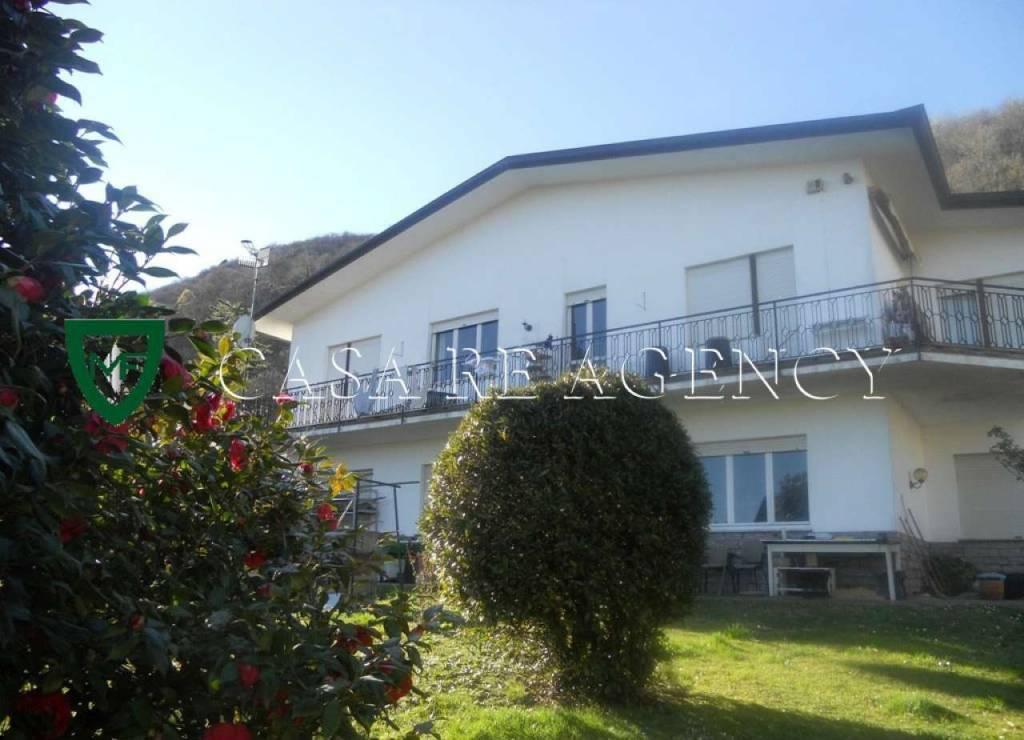 Villa in vendita a Induno Olona, 7 locali, prezzo € 390.000 | CambioCasa.it
