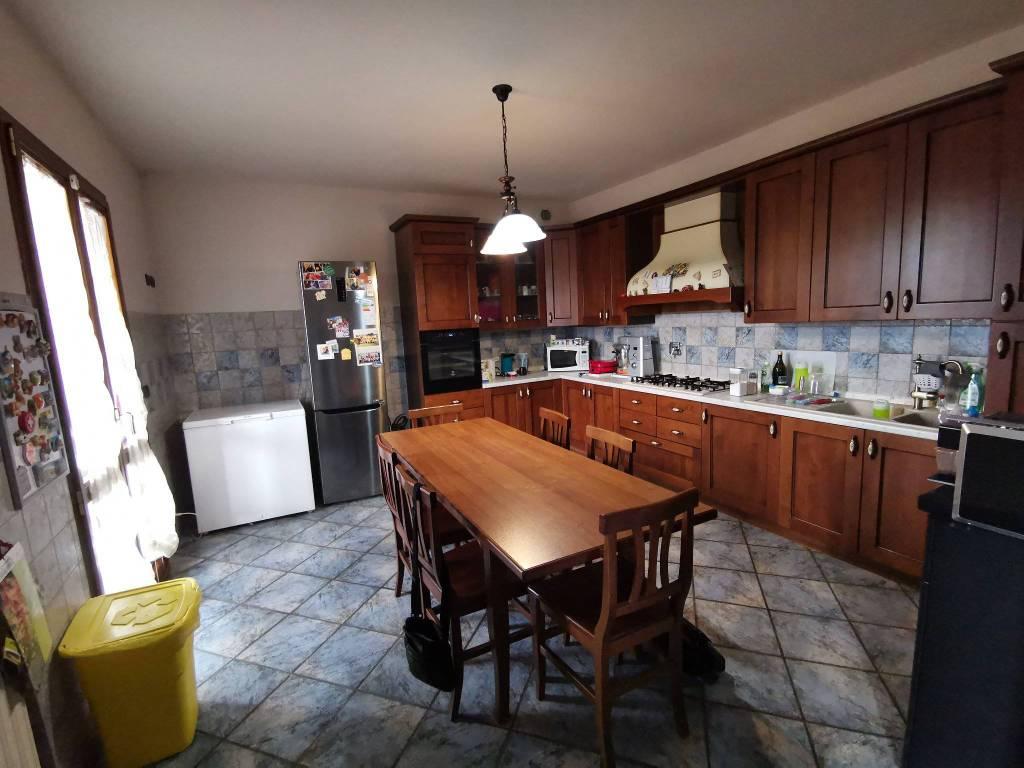 Appartamento in vendita a Montà, 4 locali, prezzo € 119.000 | CambioCasa.it