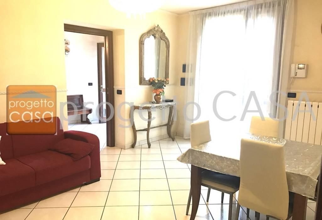 Appartamento in ottime condizioni in vendita Rif. 7850811