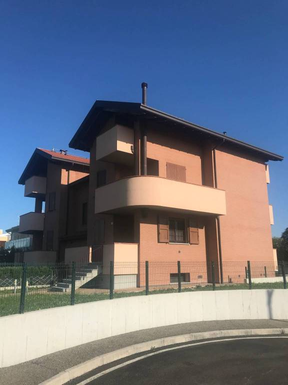 Foto 1 di Villa via Irma Bandiera 59, Castel San Pietro Terme