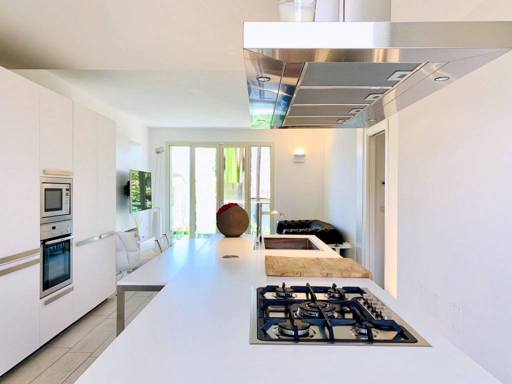 Appartamento in vendita a Camaiore, 4 locali, prezzo € 690.000   PortaleAgenzieImmobiliari.it