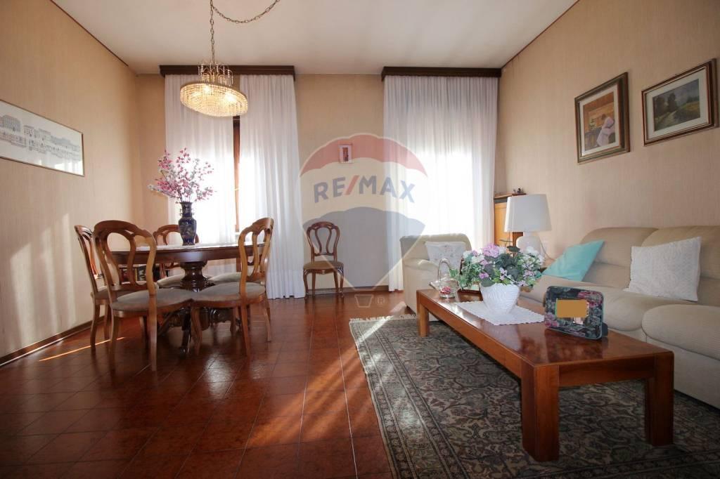 Foto 1 di Villa via Porretta 20, Vicenza