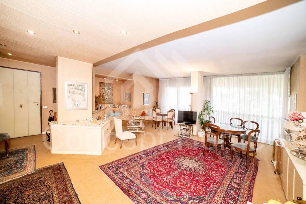 Appartamento in vendita a Roma, 4 locali, prezzo € 465.000 | CambioCasa.it