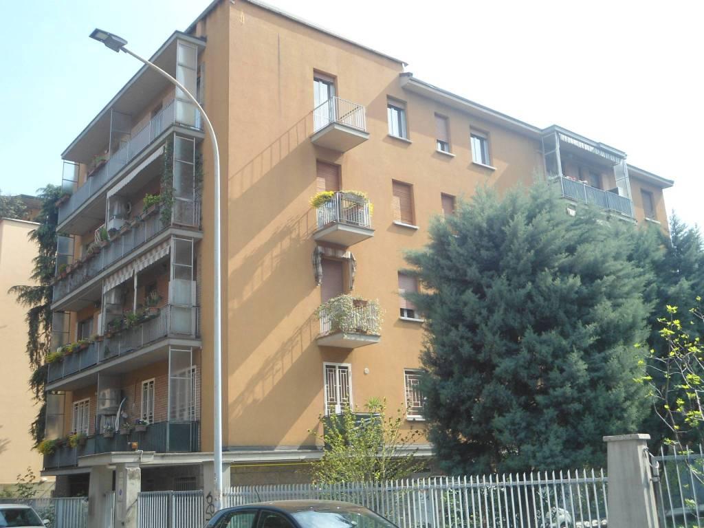 Foto 1 di Trilocale via Girolamo Frescobaldi, Bologna (zona Mazzini, Fossolo, Savena)