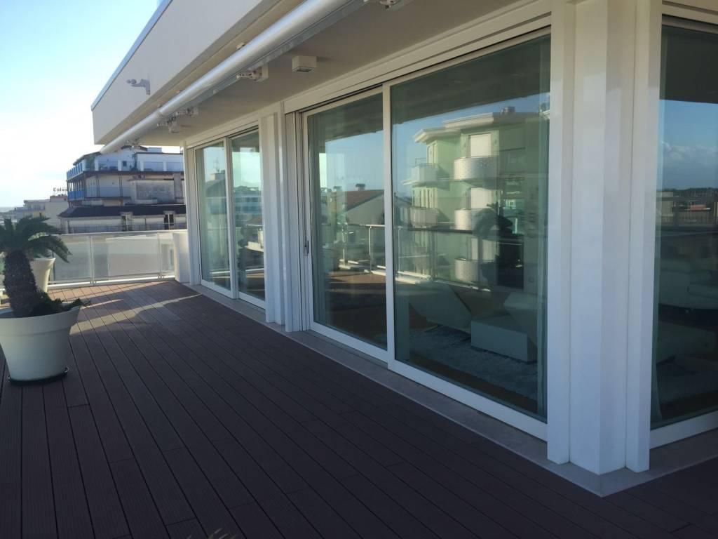 Prestigioso appartamento fronte mare, foto 4
