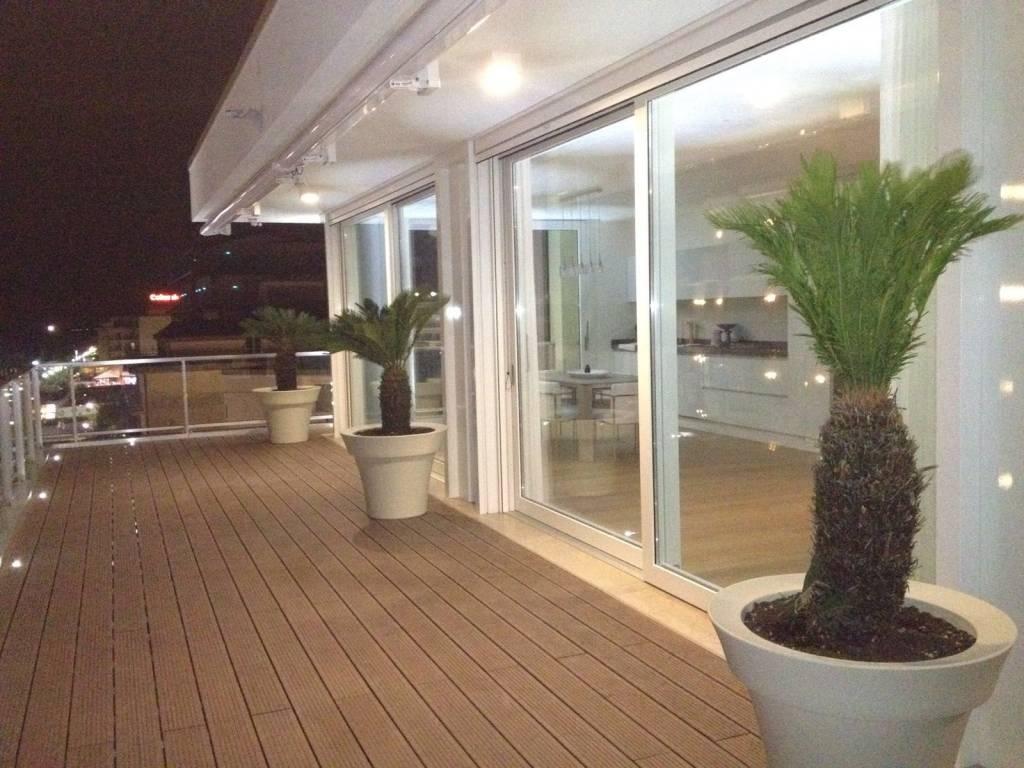 Prestigioso appartamento fronte mare, foto 2