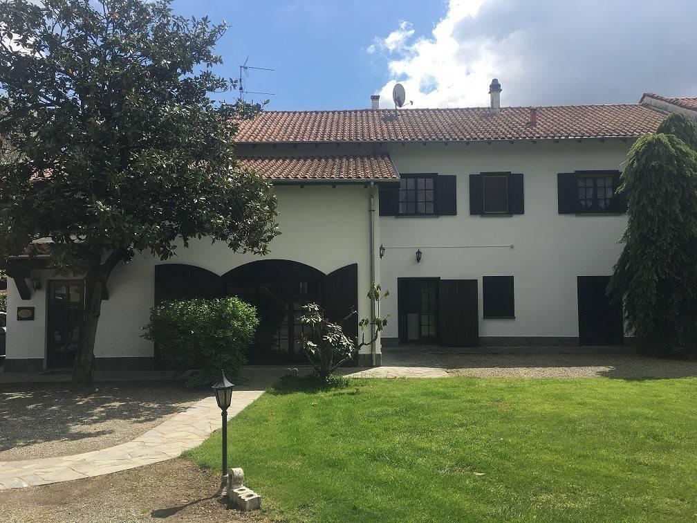 Villa in vendita a Fontaneto d'Agogna, 4 locali, prezzo € 200.000 | PortaleAgenzieImmobiliari.it