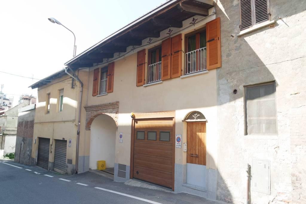 Foto 1 di Casa indipendente via Petiti, Caluso