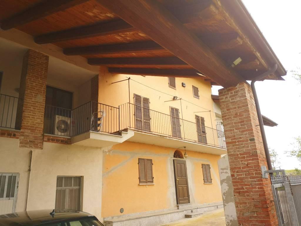 Foto 1 di Rustico / Casale piazza Carleveri, Rocca Dè Baldi