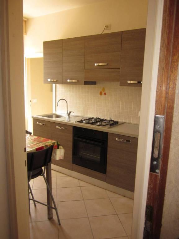 Appartamento in affitto a Monvalle, 2 locali, prezzo € 380 | CambioCasa.it