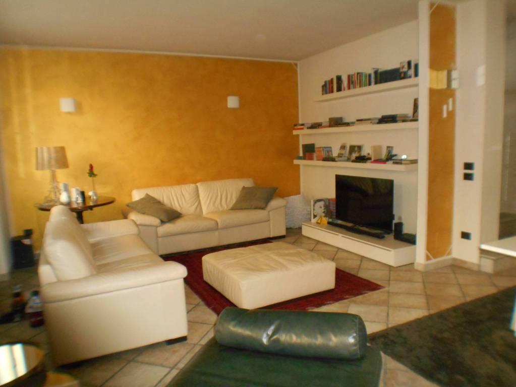 Appartamento in affitto a Calvenzano, 4 locali, prezzo € 1.000 | PortaleAgenzieImmobiliari.it