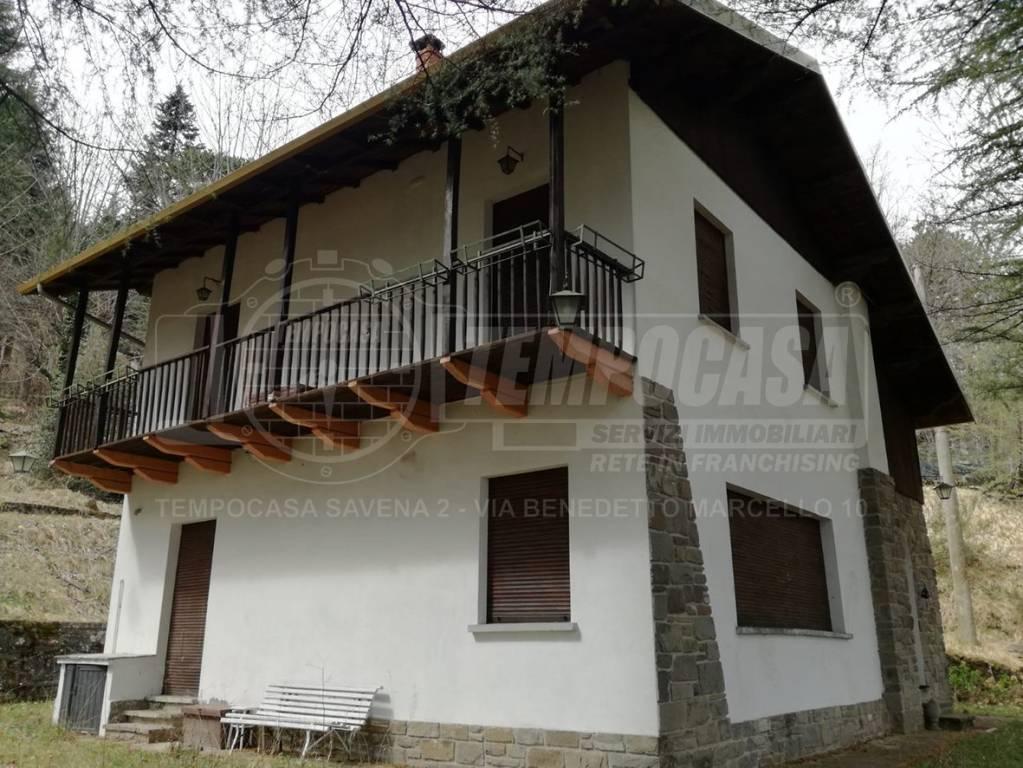Foto 1 di Villa via Don G. Tabellini 4, frazione Vidiciatico, Lizzano In Belvedere