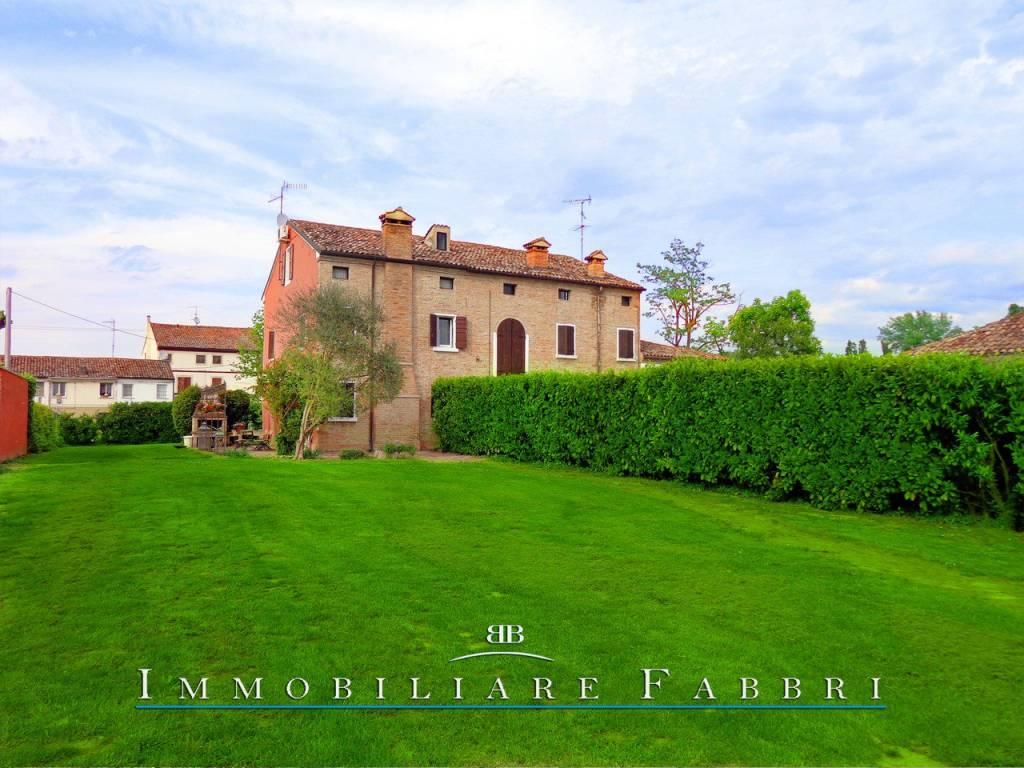 Villa in Vendita a Ferrara Periferia Nord: 5 locali, 240 mq