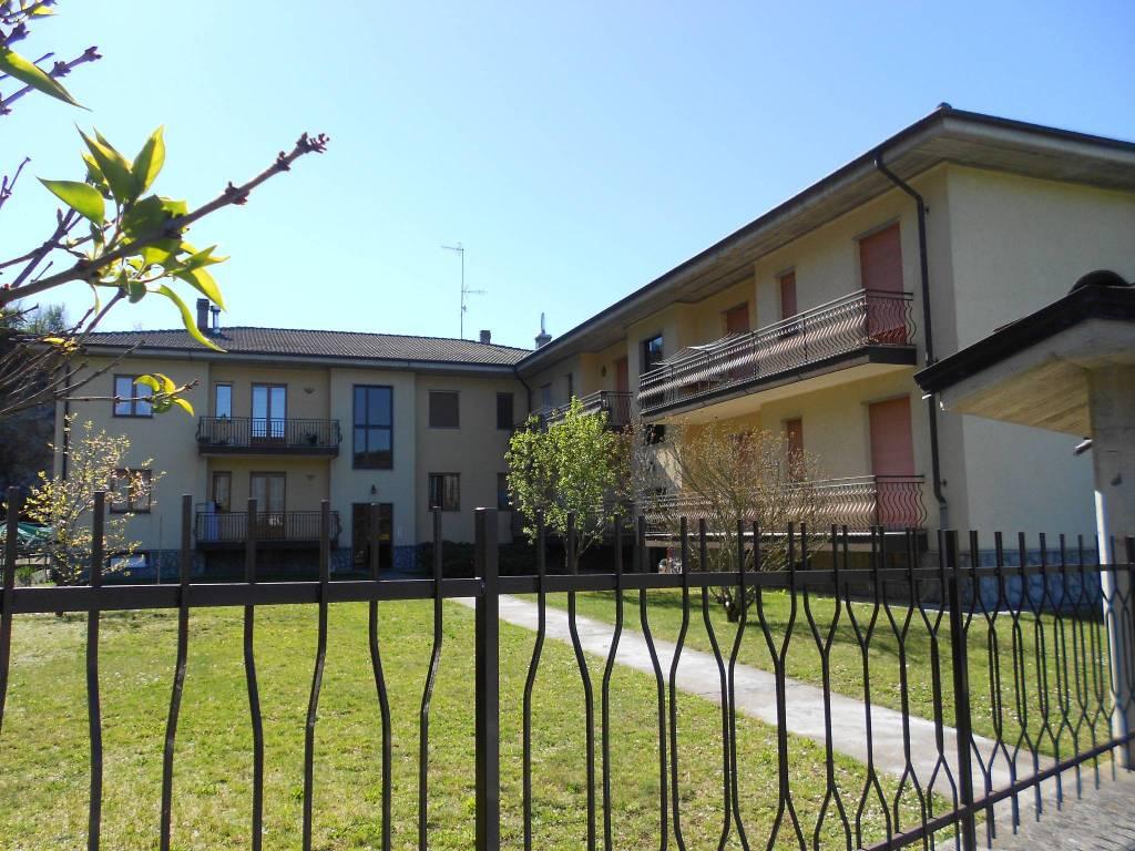 Foto 1 di Bilocale via Sant'Agnese, Caraglio
