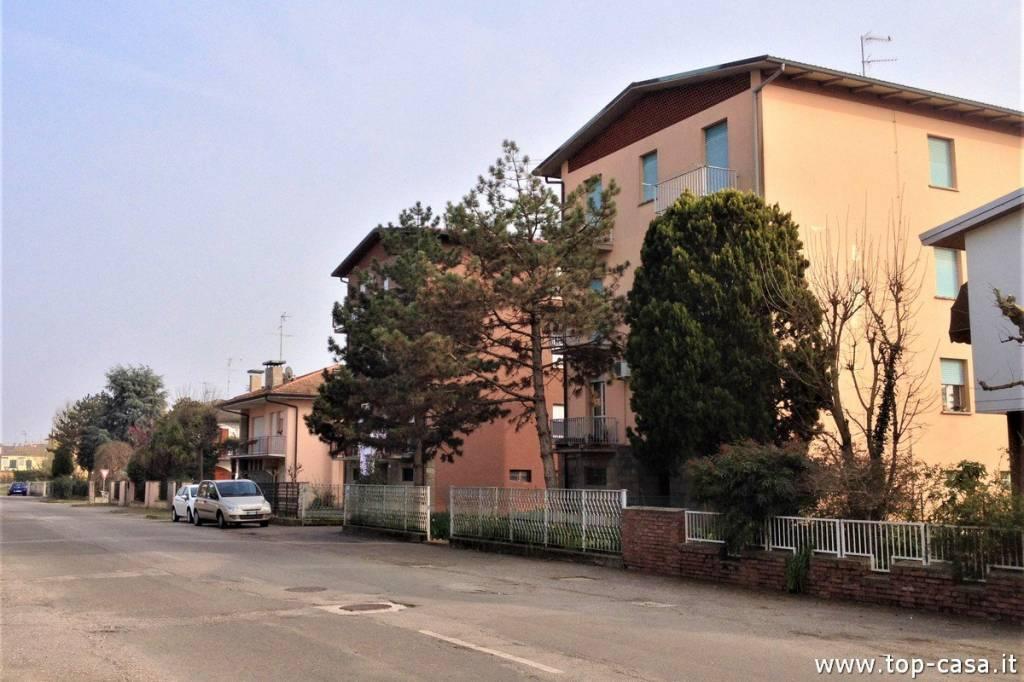 Appartamento in ottime condizioni in vendita Rif. 8845787