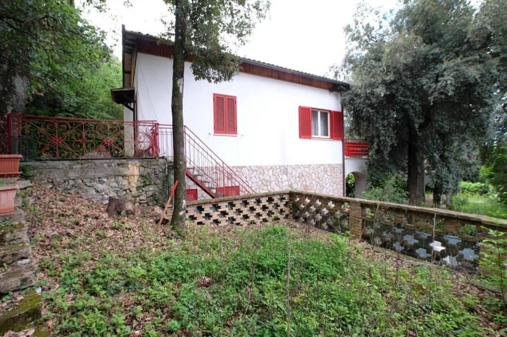 Villa in buone condizioni in vendita Rif. 4197370