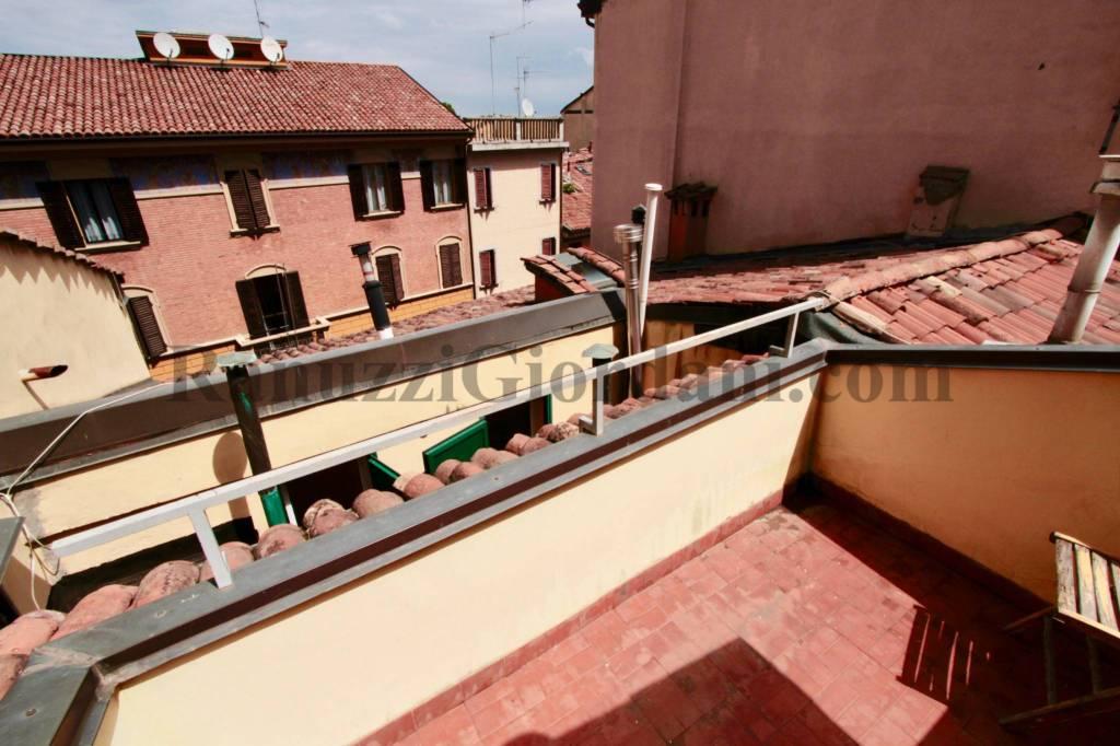 Foto 1 di Trilocale via Saragozza 42, Bologna (zona Costa Saragozza/Saragozza)