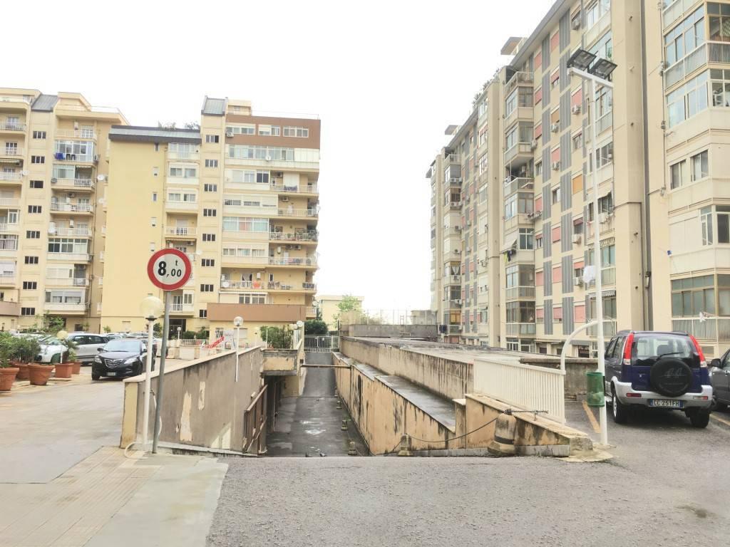 Attico in Affitto a Palermo Centro: 4 locali, 156 mq