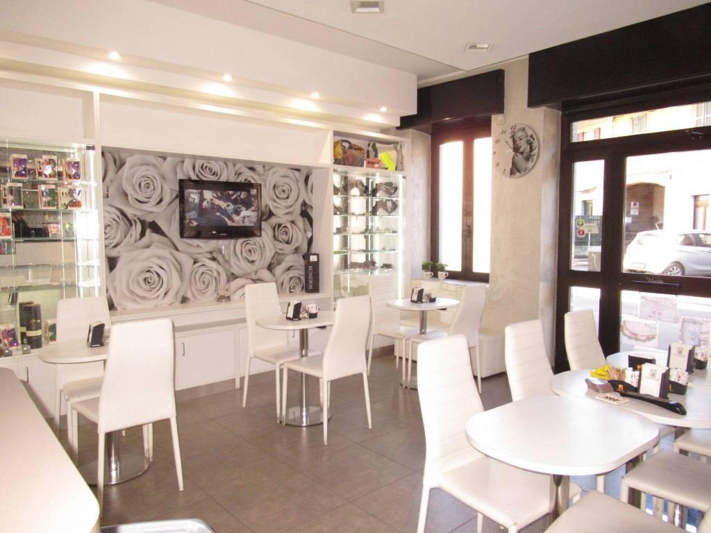 Bar in vendita a Gorgonzola, 2 locali, prezzo € 119.000 | PortaleAgenzieImmobiliari.it