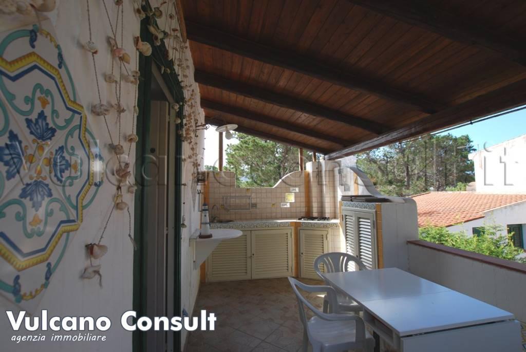 Appartamento in vendita a Lipari, 3 locali, prezzo € 115.000   CambioCasa.it
